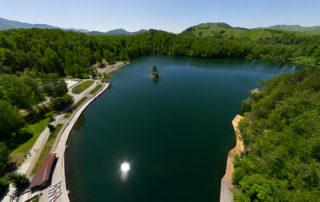 360° виртуальная панорама с дрона в туристическом комплексе озеро Ая (Алтай)